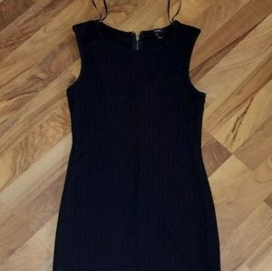 Forever 21 fitted dress 1/4 zip in back BA541